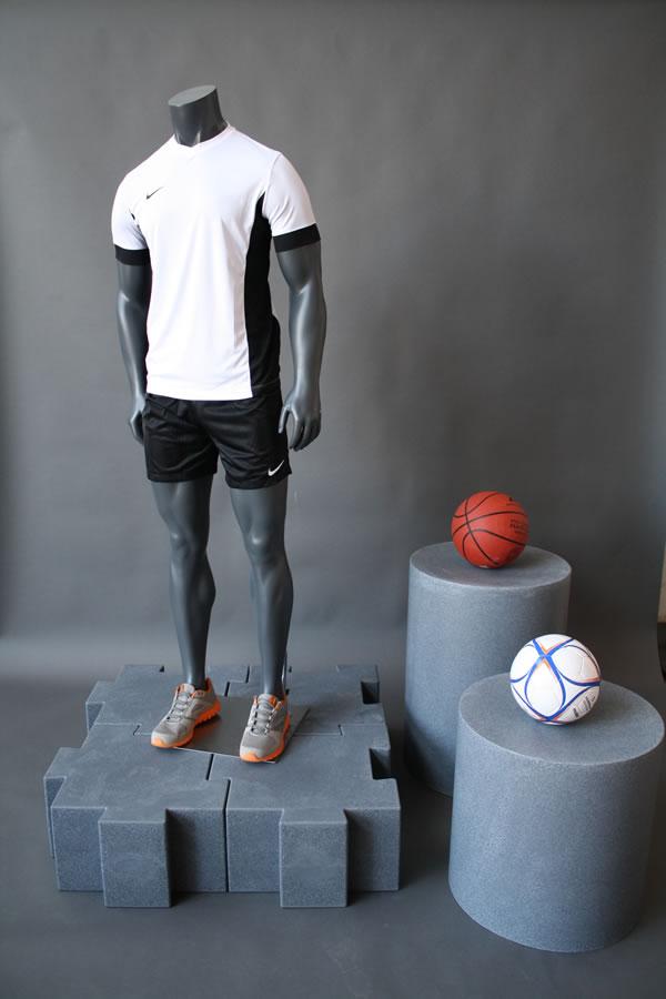 manichino-uomo-calcio-basket.jpg