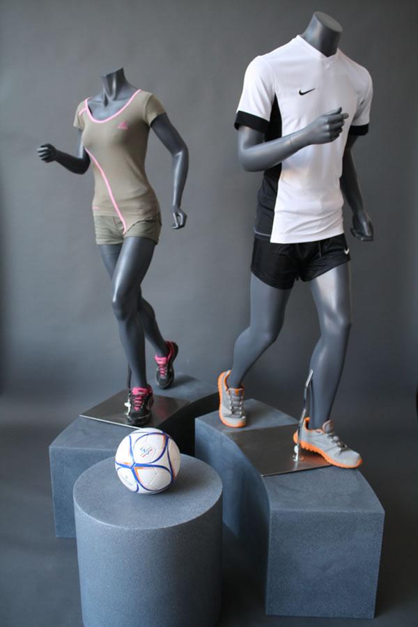 mannequins-male-female-running.jpg